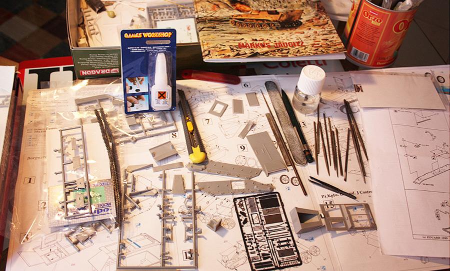 Tavoli Da Lavoro Per Modellismo : Materiali e attrezzi per realizzare un modello statico in scala
